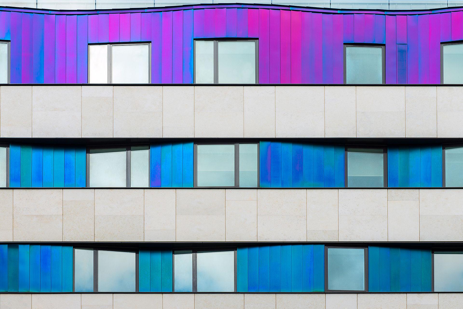 zdjęcie budynku z filtrem polaryzacyjnym